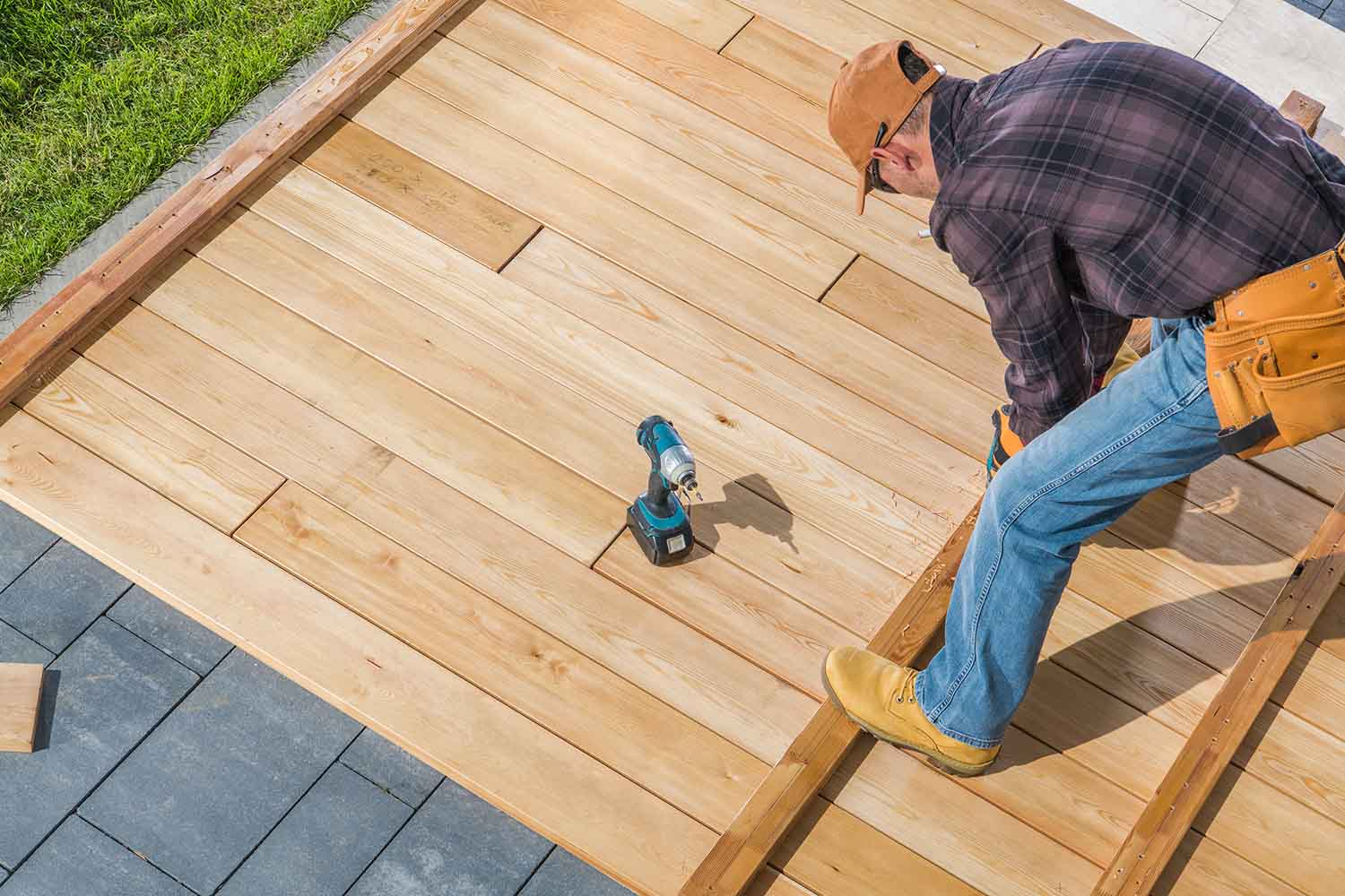 """5 Tips on Getting the Best when Searching for """"Deck Builders Near Me 